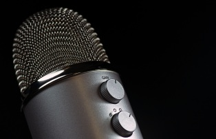 microphone-1172260
